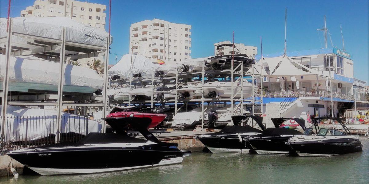 En Don Marino Boats disfrutamos observando la ilusión con que reciben su embarcación temporada tras temporada