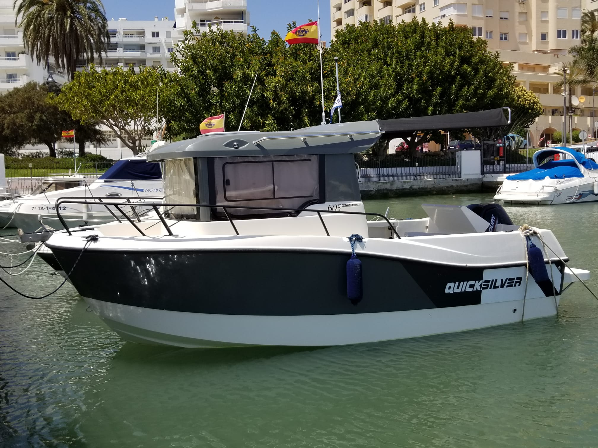 Don Marino Boats entrega un nuevo Quicksilver 605 Pilothouse